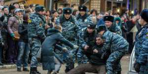 191902_police_violently_disperse_a_spontaneous_protest_moscow-1_0_0
