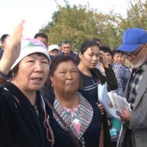 Жители одного из самых неблагоустроенных микрорайонов Талдыкоргана вышли на акцию протеста