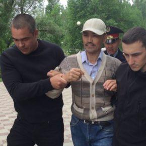 Акимат Уральска тринадцать раз отказал в праве на митинг бывшему полицейскому